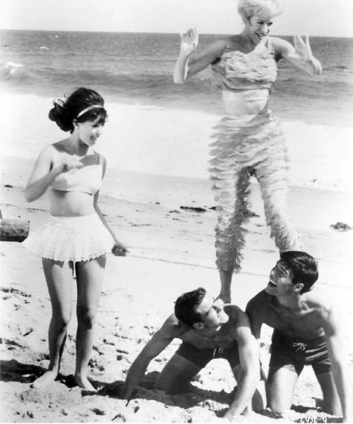 Bikini Beach Donna L Candy J